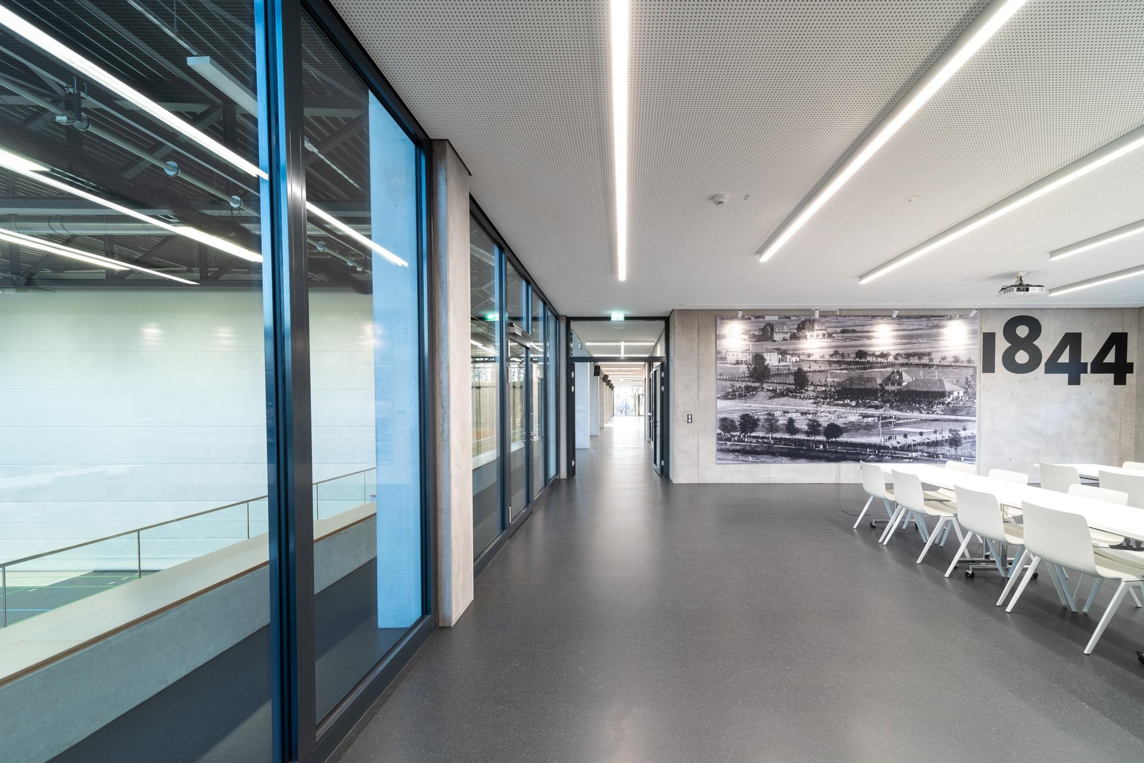 Sportstättenbeleuchtung von Malm licht + gestaltung Freiburg Lichtplanung Lichtgestaltung Lichtdesign Licht_für_Multifunktionraum